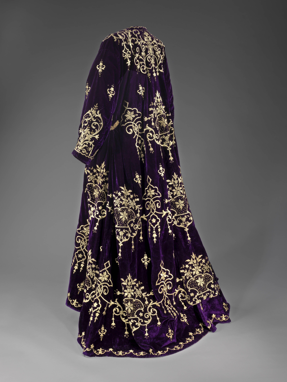 velvet wedding dress Wedding dress Edirne Turkey early 20th century Velvet gilt metal threads embroidery