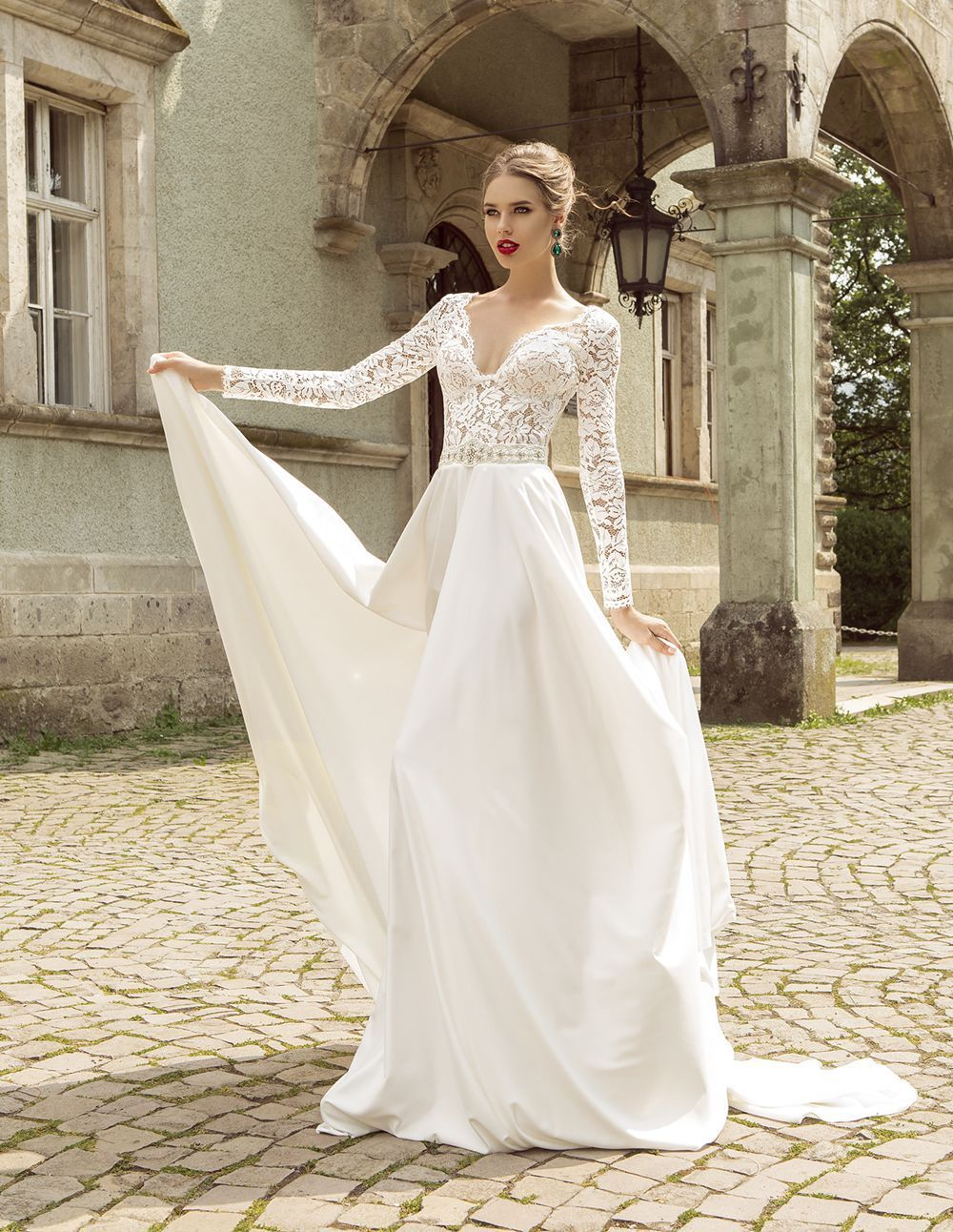 wedding dresses Summer Style Lace Long Sleeve Wedding Dresses V Neck A Line Lace Wedding Dress Beading