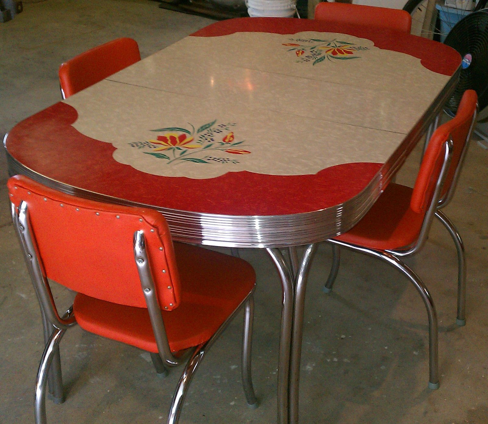 retro kitchen table sets Love this table Vintage Kitchen Formica Table 4 Chairs Chrome Orange Red White Gray