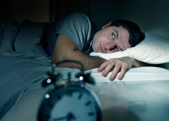 Resultado de imagen de persona que no puede dormir