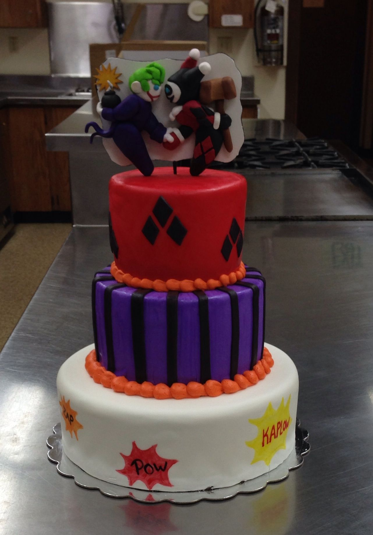 harley quinn wedding ring Harley Quinn Joker themed wedding cake by Custom Cakes by Emilie in Anchorage AK https
