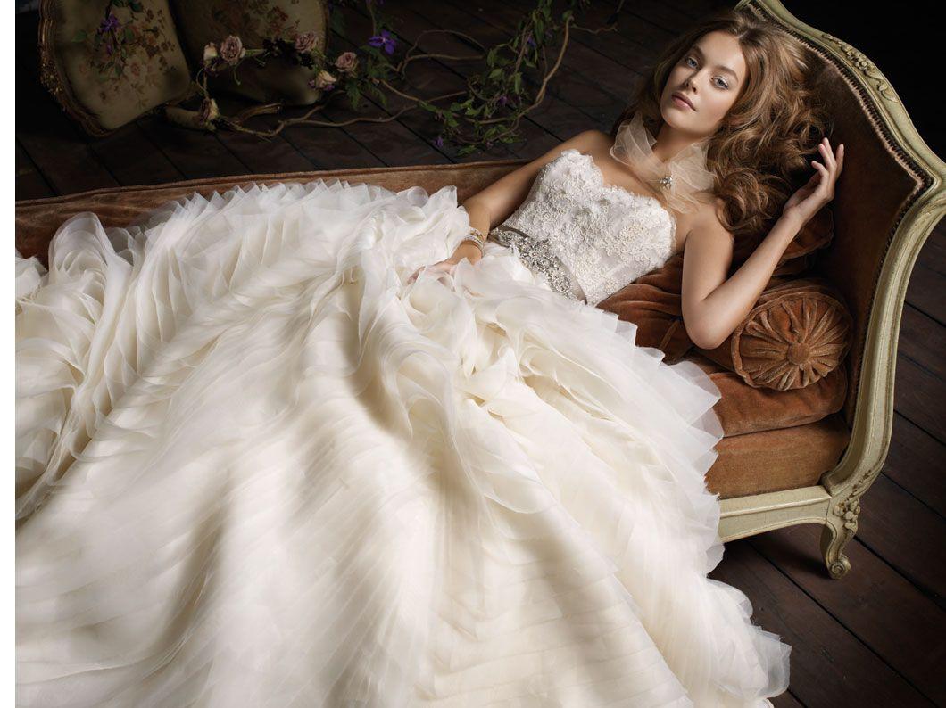 most popular wedding dresses Top 10 Most Popular Wedding Dress Designers
