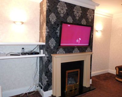 wallpaper patterned black chimney breast moroccan - Google Search | Dining room | Pinterest ...