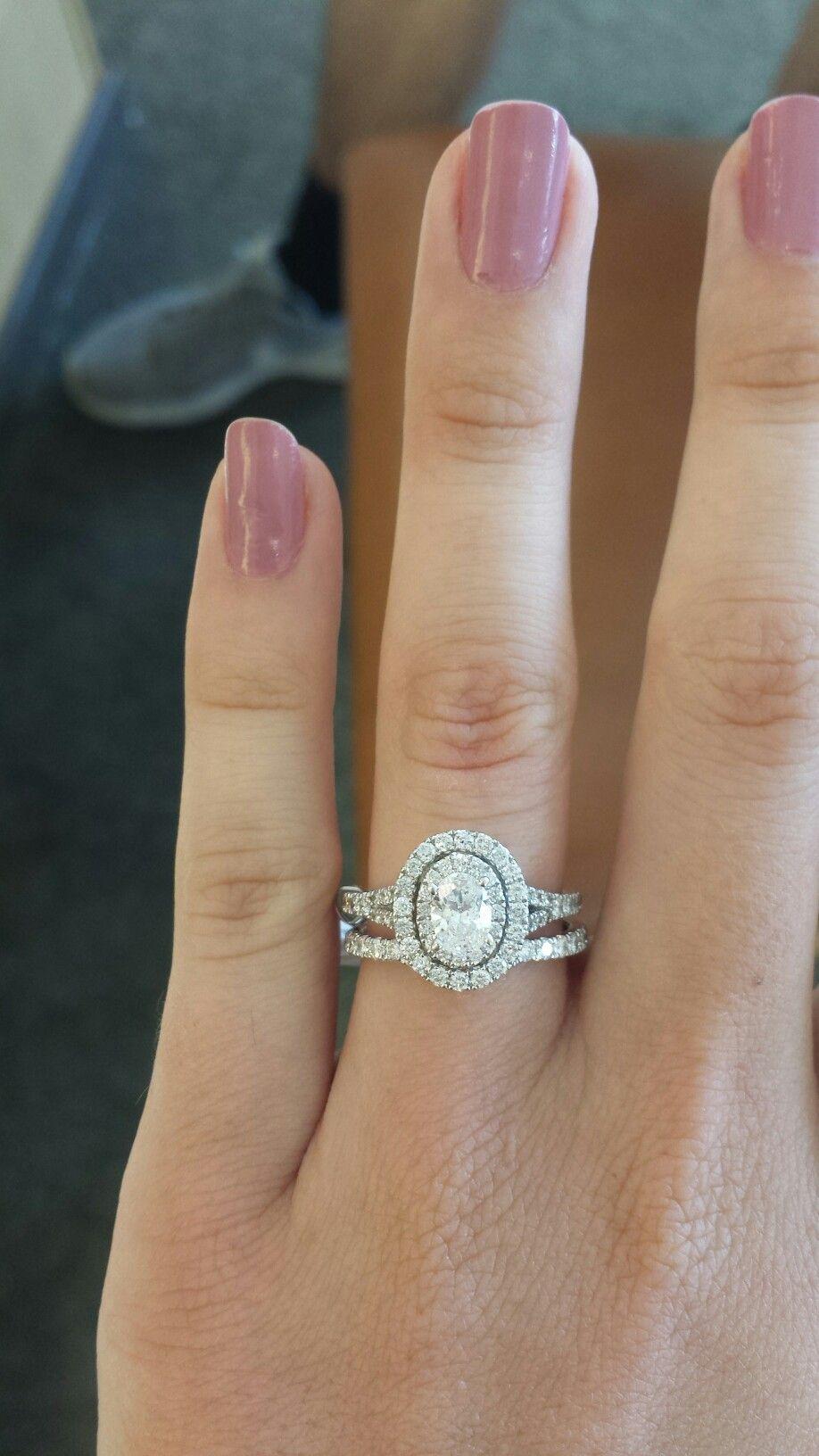 neil lane wedding rings Neil Lane Dimond Oval engagement rings Wedding band Double halo