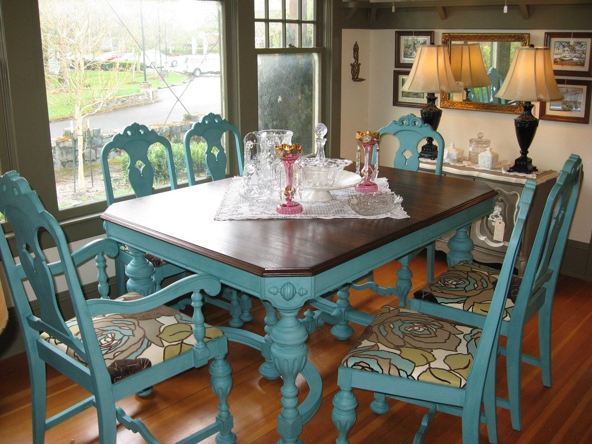 turquoise kitchen chairs Great idea to give an old kitchen table or chairs a new look