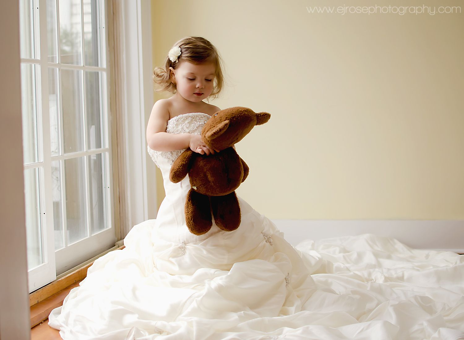 mom's wedding dress Toddler Girl in Mom s Wedding Dress www facebook com ejrosephoto Morris