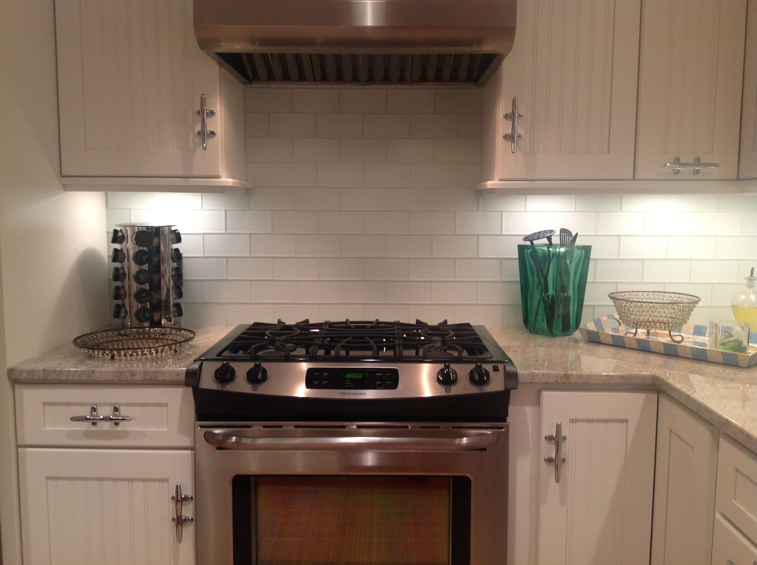 frosted glass tile kitchen kitchen subway tile backsplash Frosted White Glass Subway Tile