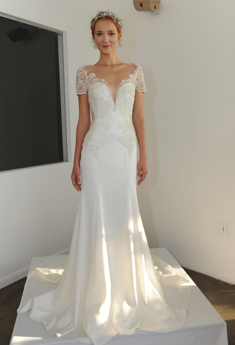 form fitting wedding dresses Fitted wedding dresses
