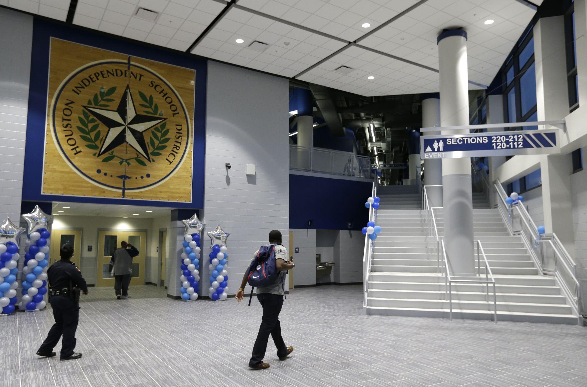 Flossy Houston Isd Unveils Million Delmar Fieldhouse Houston Chronicle Yates Field House Parking Yates Field House Staff curbed Yates Field House