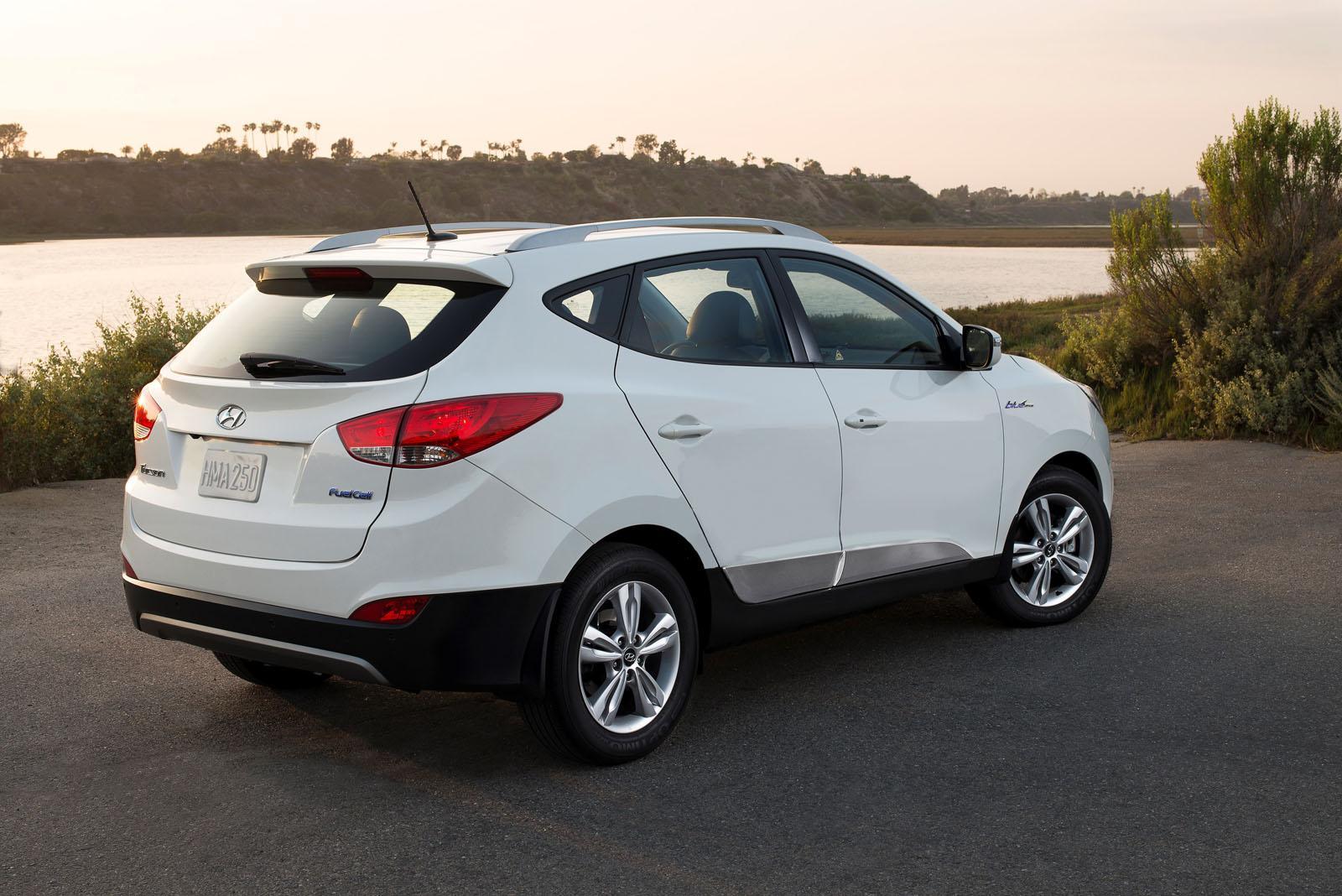 ... 2016 Hyundai Tucson Fuel Cell  O