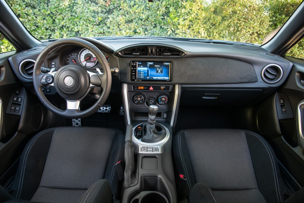They Are Called GT86 And BRZ, The Two Japanese Automakers Managed To  Squeeze Themselves In A Niche Of Market That Has Not Had Similar Product ... C