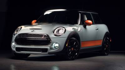 MINI Cooper S Hardtop Shows Up At SEMA As Ice Blue Special Edition - autoevolution