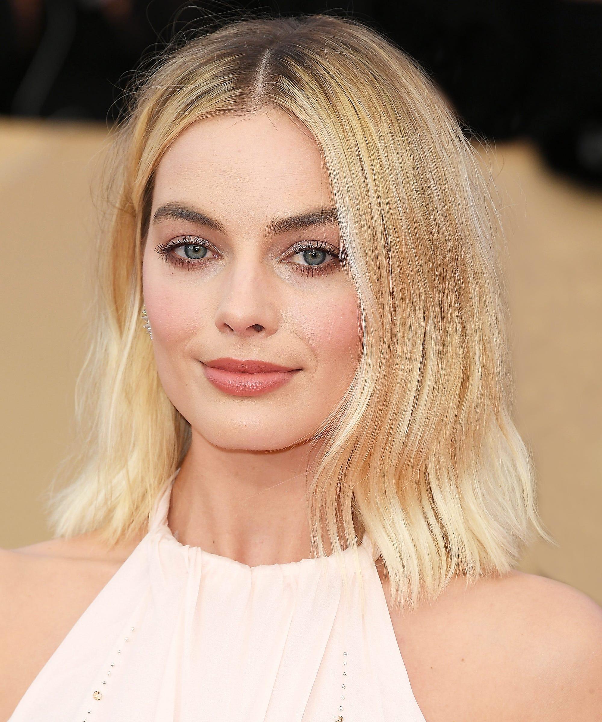 Charmful Why Margot Summer Hair Makeup Look So Good Margot Robbie Hair Color Formula Margot Robbie Hairstyle 2018 nice food Margot Robbie Hair