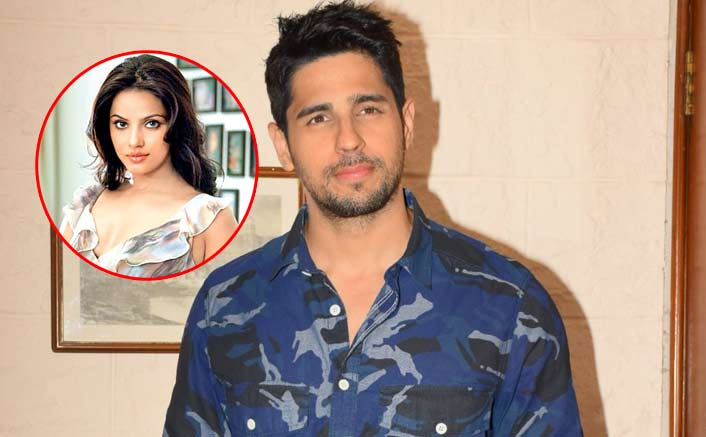 Sidharth Malhotra Apologizes To Neetu Chandra On Twitter For         dialogues in the Bhojpuri language  But things got awkward when  Sidharth said that saying the dialogues in Bhojpuri gave him a latrine kind  of feeling