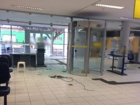 Criminosos invadiram agência em Panelas, no Agreste de PE (Foto: Divulgação/Polícia Civil)