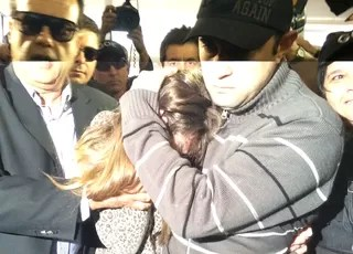 Patrícia Moreira chega à delegacia (Foto: Luiza Carneiro/GloboEsporte.com)