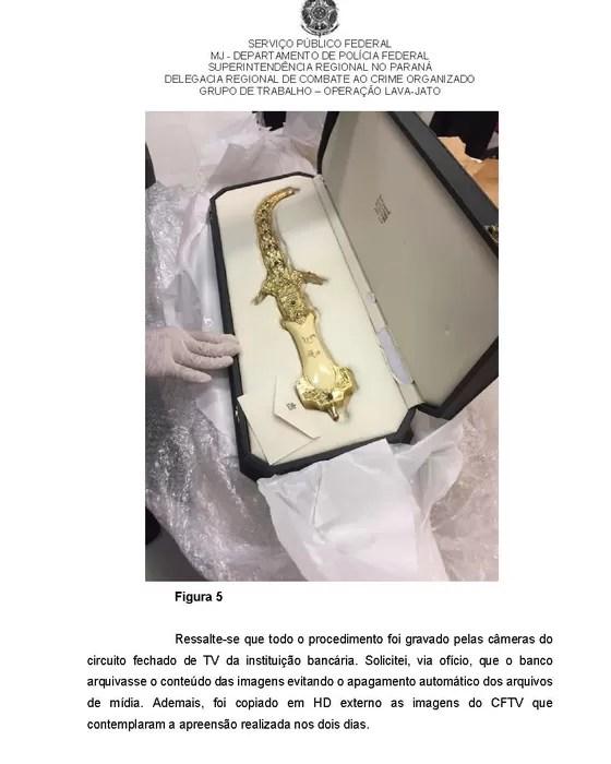 Espada guardada em sala-cofre da agência do Banco do Brasil do centro de SP (Foto: Reprodução)