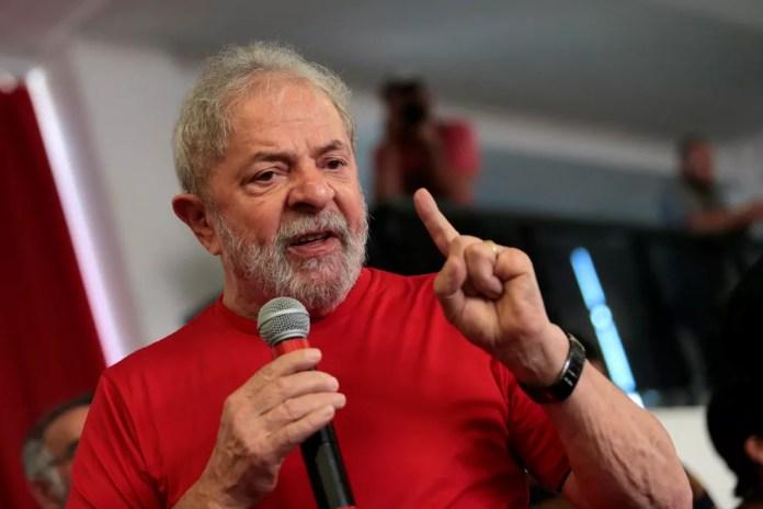 Lula responde por corrupção passiva e lavagem de dinheiro em processo sobre apartamento em São Bernardo do Campo e terreno em São Paulo (Foto: Leonardo Benassatto/Reuters)