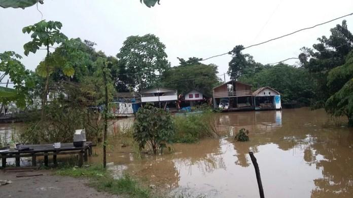 Nível do rio Madeira atingiu os 15,6 metros nesta sexta-feira, 9, em Porto Velho (Foto: Carolina Brazil/Rede Amazônica)