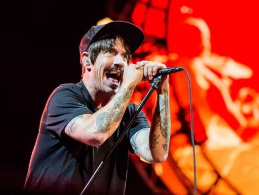 DIA 3 - Anthony Kiedis se apresenta com o Red Hot Chili Peppers no sábado (30) de Lollapalooza (Foto: Amy Harris/Invision/AP)