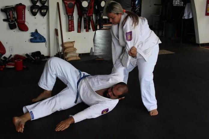 """Modalidade de combate essencialmente desarmado e é por isso que é voltado para o ataque de """"partes macias"""" do corpo (Foto: Jheniffer Núbia )"""