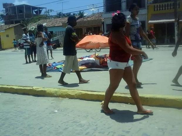 Criança foi encontrada morta em brinquedo em Barra de Sirinhaém, na Mata Sul de Pernambuco (Foto: Reprodução / WhatsApp)