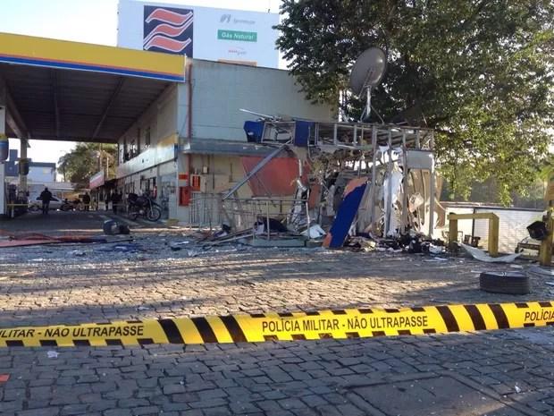 Posto fica às margens da SC-108 no bairro Itoupava Central (Foto: Eduardo Cristófoli/RBS TV)