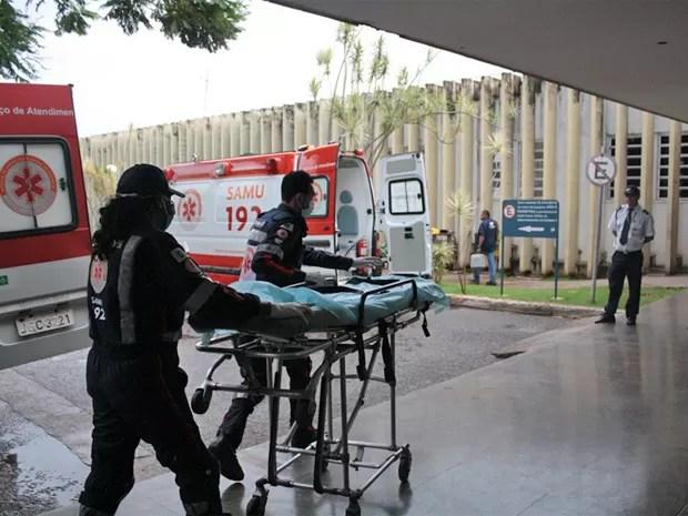 Entrada do Hospital Universitário de Brasília, que fica na Asa Norte (Foto: Paulo Ribeiro/ACSHUB)