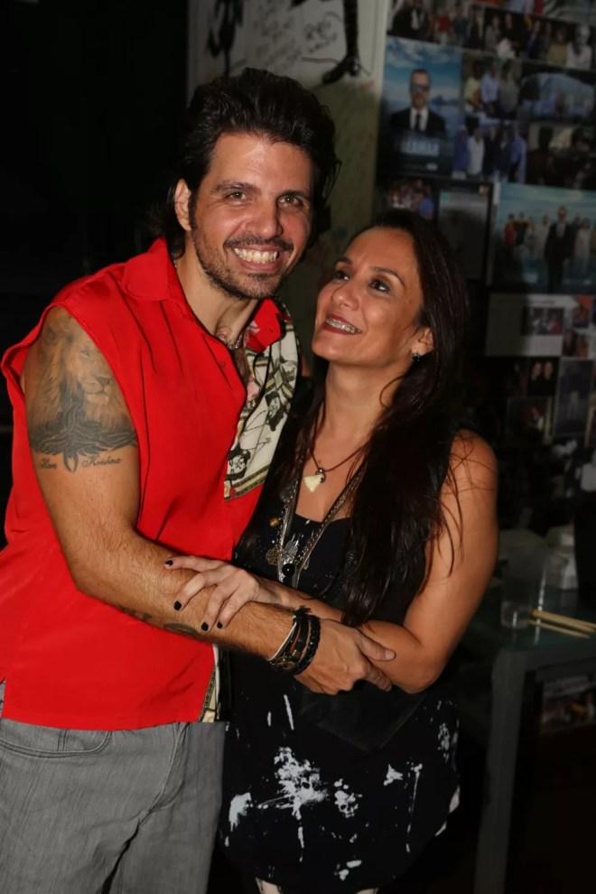 Marcus Menna com a mulher, Flávia Guinancio (Foto: Roberto Wertman/Divulgação)