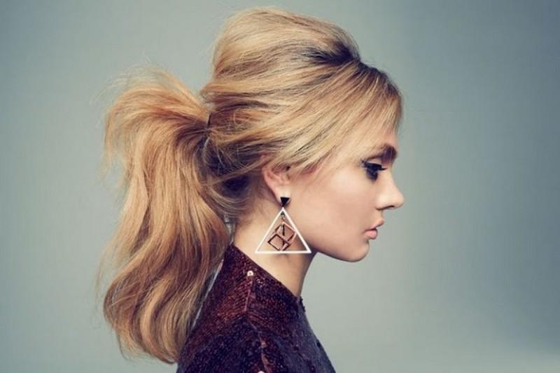 ClioMakeUp-capelli-capodanno-acconciature-medi-coda-capelli-cotonati.jpg