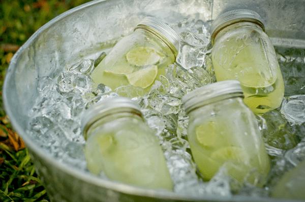 mason jar cockail drinks