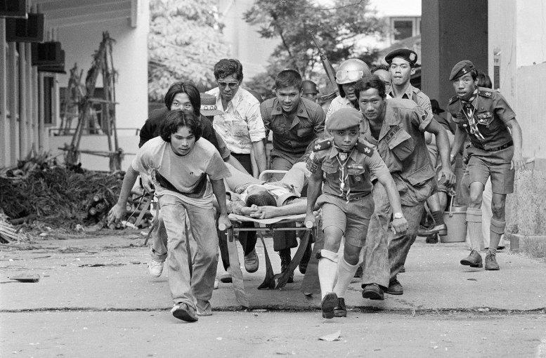 La dictadura tailandesa nunca permitió que se conocieran cifras oficiales sobre los muertos y heridos. Los investigadores la sitúan en alrededor de 100 víctimas mortales (AP)