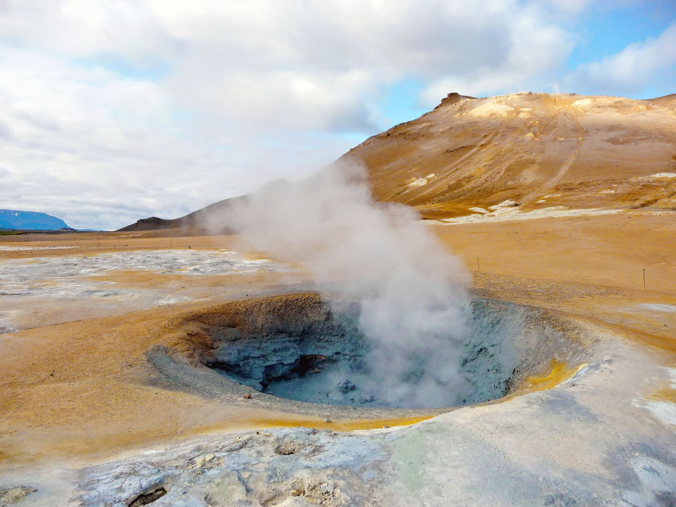 Geothermal Energy Pictures Iceland 11317982 Active And Inspiration Decorating