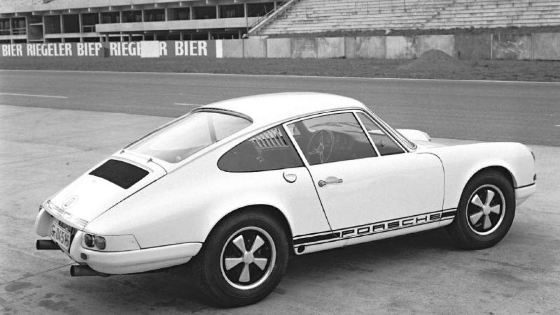 Porsche 911 R, Press preview in Hockenheim, December 1967, Porsche AG