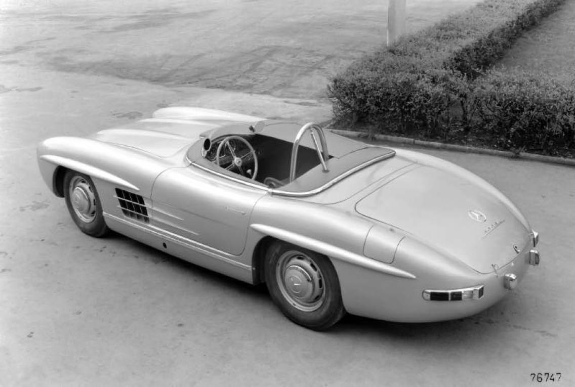 Mercedes-Benz 300 SLS (W 198). This vehicle is a special, very lightweight variant of the 300 SL Roadster of which just two units were built in 1957 specifically for participation in the American sports car championship. Paul O'Shea defeated the competition by a clear margin to win in Category D.
