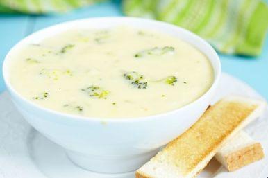 Deliciously Healthy Recipe: Low-Fat Broccoli Cheddar Soup