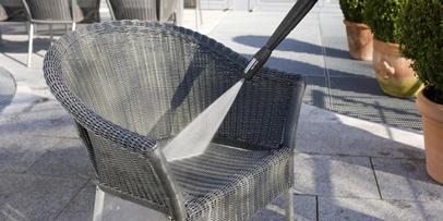 Limpiar muebles de jardín