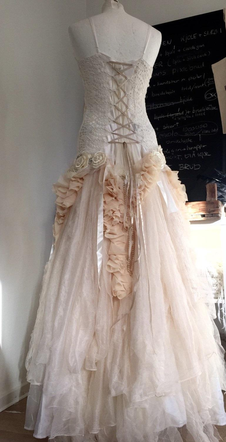 victorian style wedding gowns victorian wedding dress Victorian style wedding gowns Foto 1