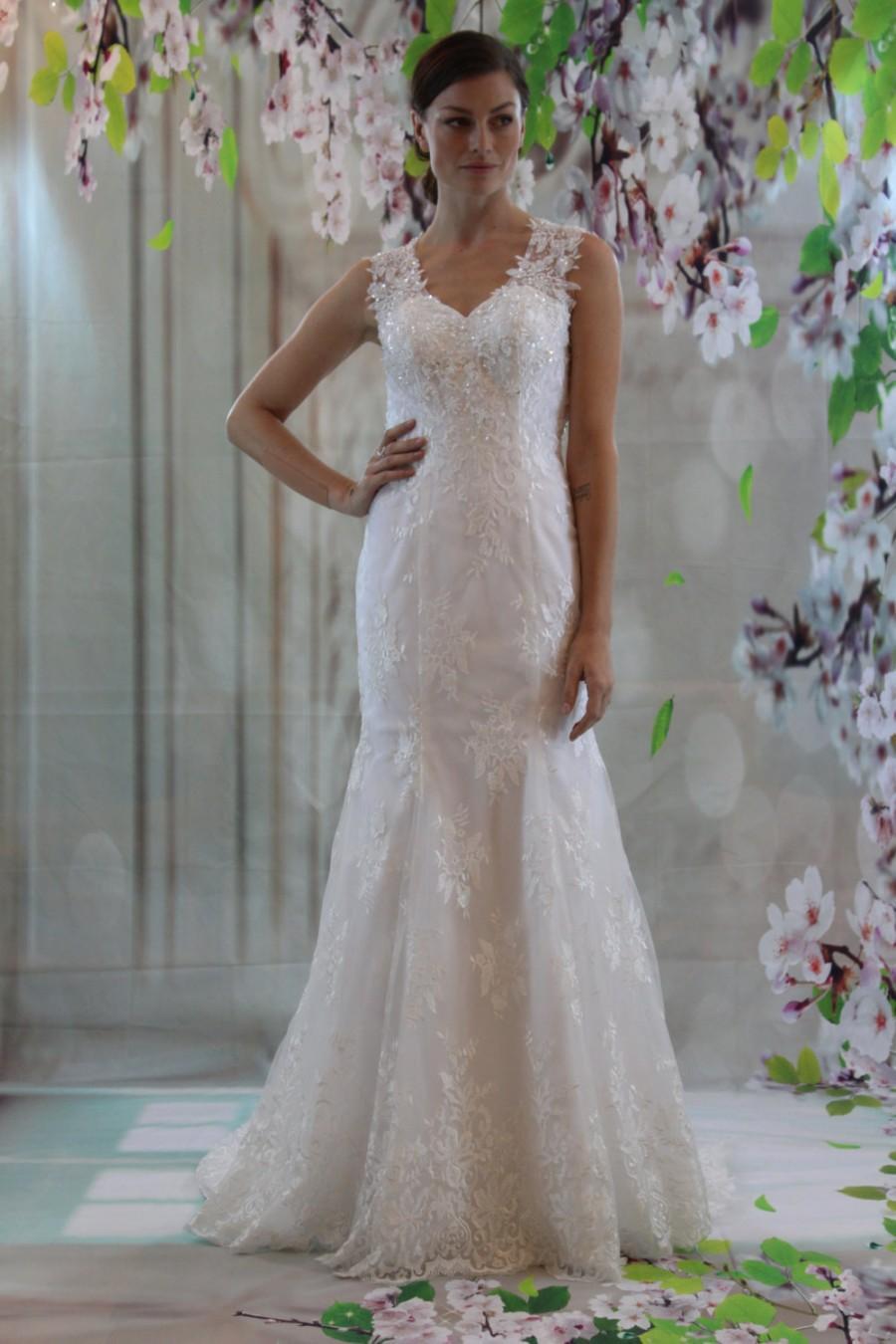 Fullsize Of Sweetheart Neckline Wedding Dress