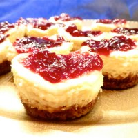 Miniature lemon cheesecakes with gingersnap crusts