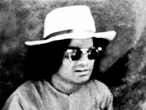 Photo of Sathya Sai Baba with Sunglasses