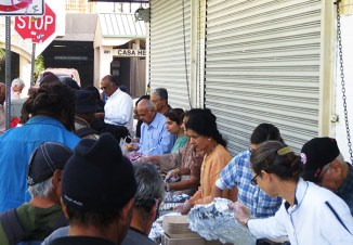 Z1 USA Serving food to the needy in Los Angeles