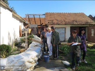Croatian Sathya Sai volunteers estimating damage caused by the flood at Letovanic village 18.10.14