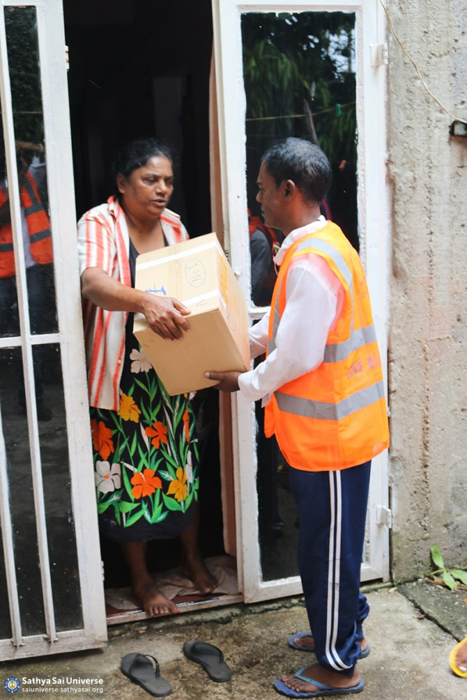 Mauritius Relief Supplies being delivered door-to-door