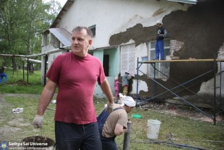 Z8 Russia SSIO members serving villagers in the Kemerovo region of Siberia 2