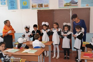 2015_10_16_ Z8_ Kazakhstan_ Sai Ram_ Serve the Planet_  Educational activity as part of a volunteer camp_ Class at the school