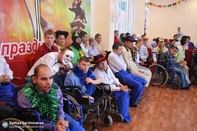2016-01-04-Z8-Kazakhstan- Almaty-Visiting nursing homes-Patients