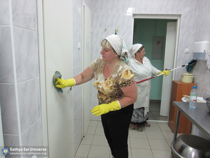 2016-06-11-z8-russia-siberian-region-labor-camp-kemerovo-house-baby-wall-wash