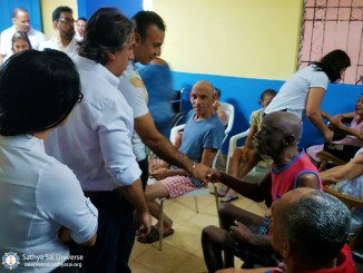 2a-zone-panama-2016-november-19-greeting-elderly-copy