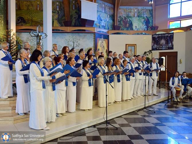 sso-poland-sarvadharma-choir-concert-in-catholic-church_2017-01-22_c-copy